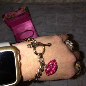 Betsy Johnson kiss gold bracelet